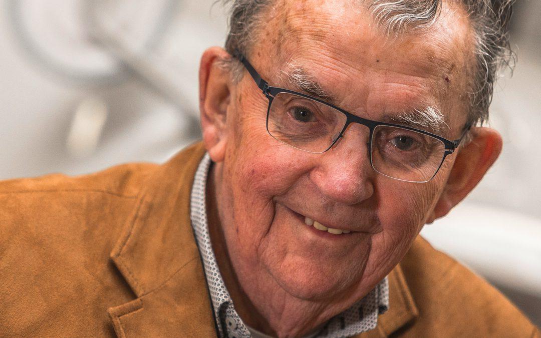 Beschermheer Tinus Verhoeven overleden